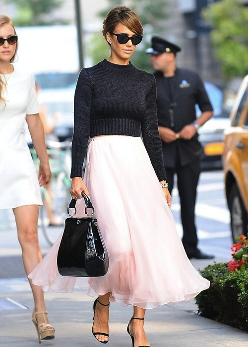 Jessica-Alba-New-York-Ralph-Lauren-Black-Cropp-ed-Sweater-Pink-Skirt-and-black-ankle-strap-sandals